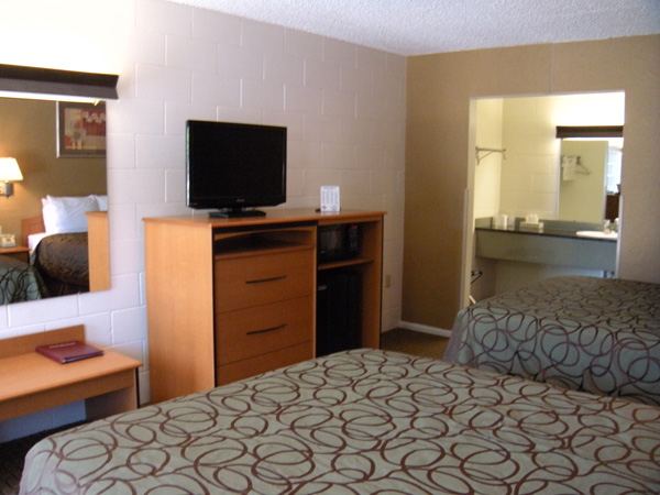 interior photo of hotel room at Motel West in Idaho Falls.