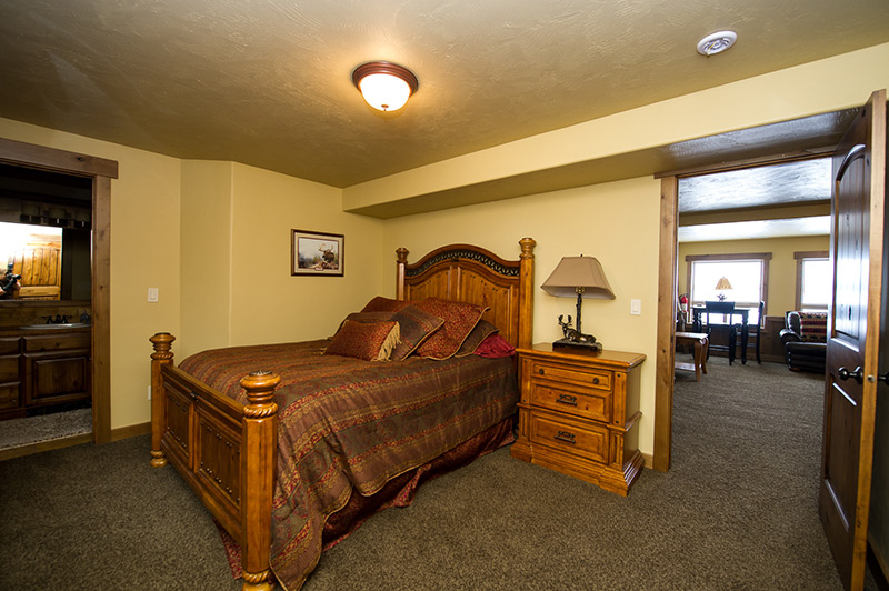 Luxurious Century Lodge
