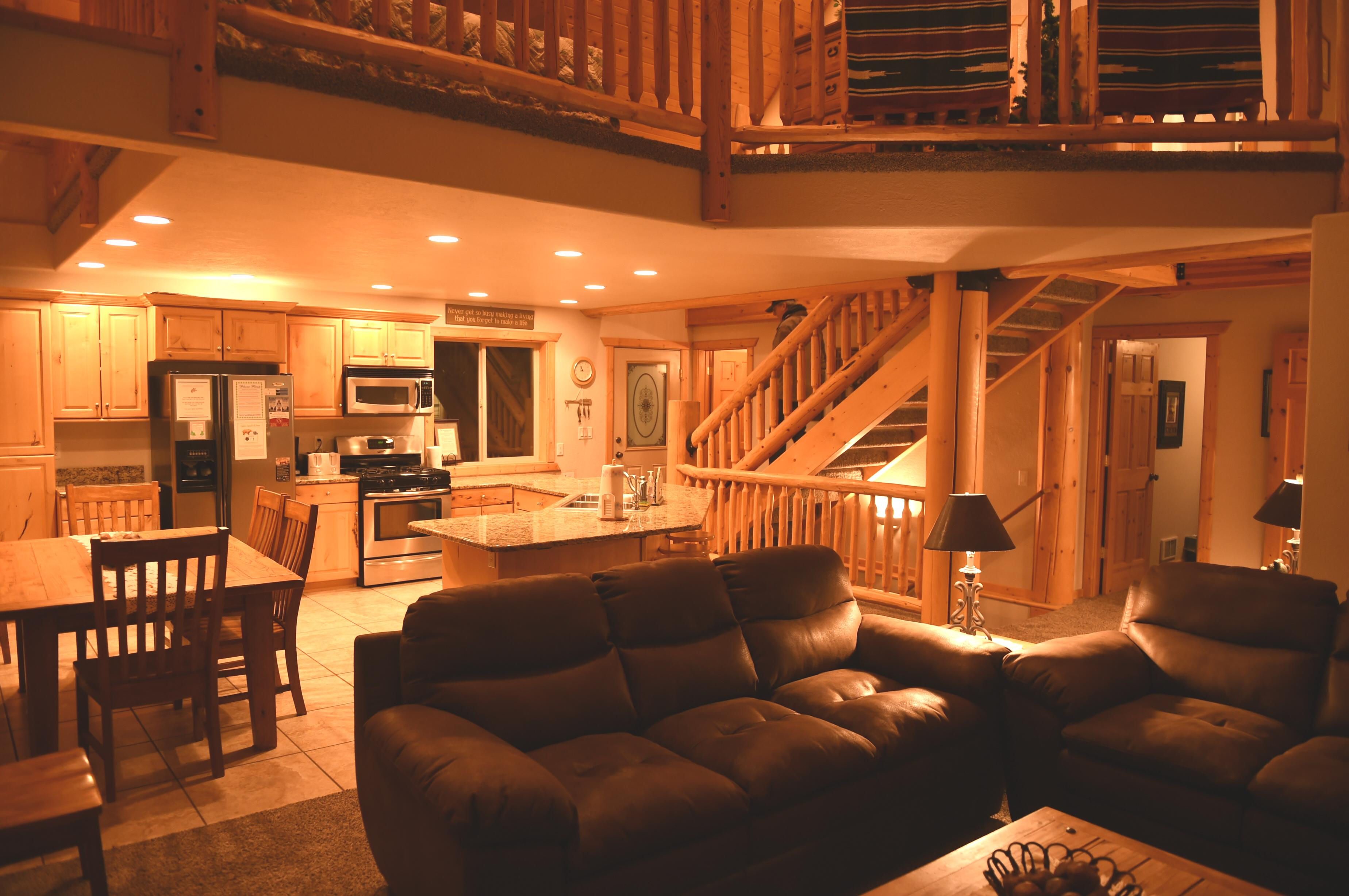 cabin near park island best condos rentals yellowstone for idaho national rent of cabins